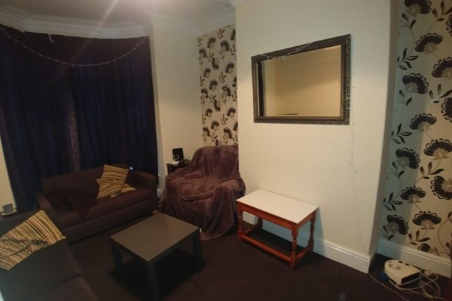 Picture 4 of Ashville Terrace, Hyde Park, Leeds LS6