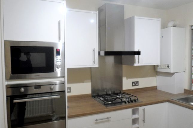 2 bed flat to rent in Leigham Court Road, London