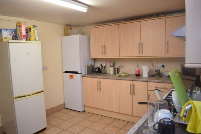 Property to rent in Manor Drive, Hyde Park, Leeds