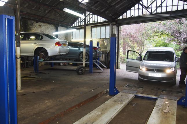 Parking/garage for sale in Vehicle Repairs & Mot HX6, West Yorkshire
