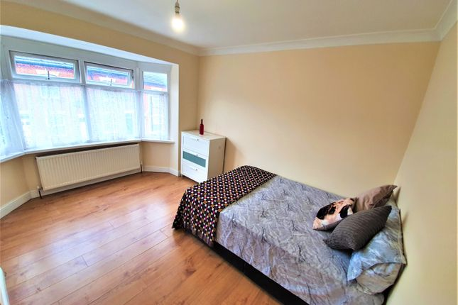 Thumbnail Shared accommodation to rent in Chequer Street, Luton