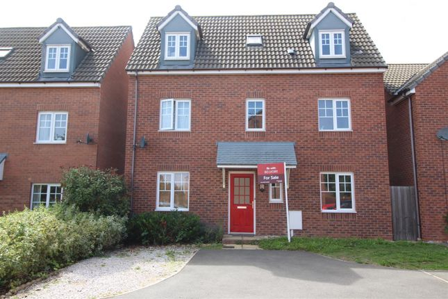 Thumbnail Property for sale in Warmington Avenue, Grantham