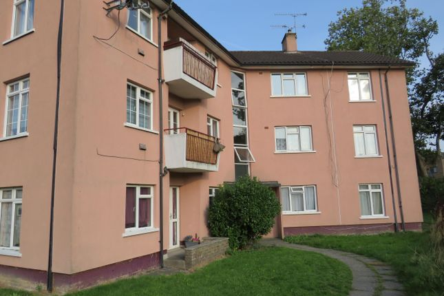 Thumbnail Flat to rent in Sunnymead, Crawley