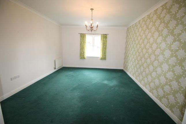 2 bed flat to rent in Scholars Court, Adademy Fields, Gidea Park RM2
