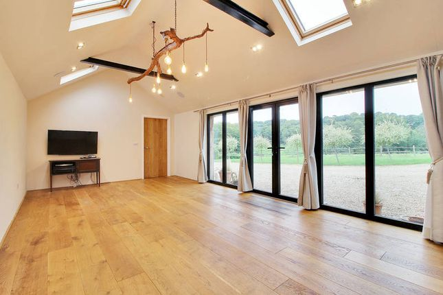 Thumbnail Barn conversion to rent in Bayham Road, Tunbridge Wells