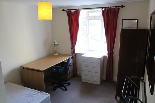 Thumbnail Property to rent in Rectory Square, London