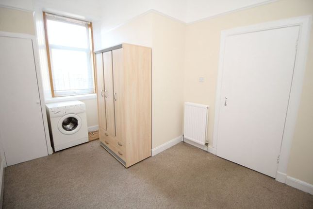 Bedroom of Whytehouse Mansions, High Street, Kirkcaldy KY1