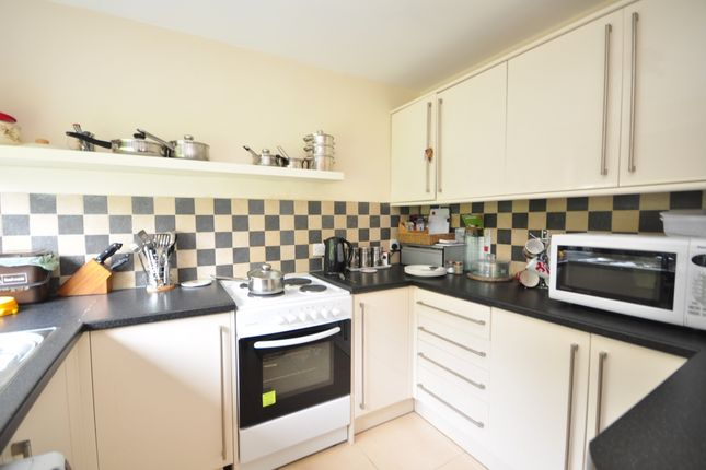 Thumbnail Semi-detached house to rent in Oakhill Road, Sutton