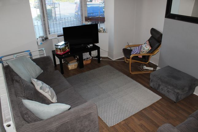 Thumbnail Shared accommodation to rent in Colver Road, Sheffield