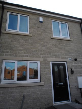 Thumbnail Town house to rent in Melville Street, Wombwell, Barnsley