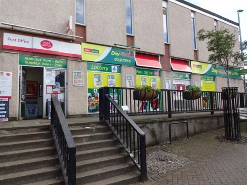Thumbnail Retail premises for sale in Milngavie, Glasgow