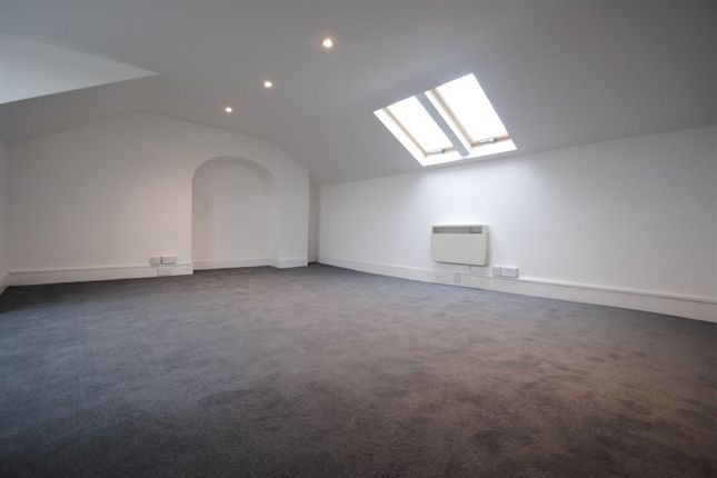 Thumbnail Studio to rent in Solway Road, London