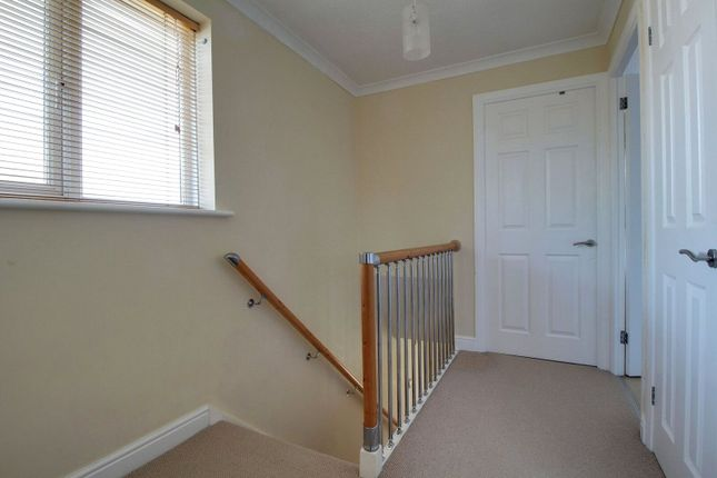 Picture No. 10 of Harwich Close, Lower Earley, Reading, Berkshire RG6