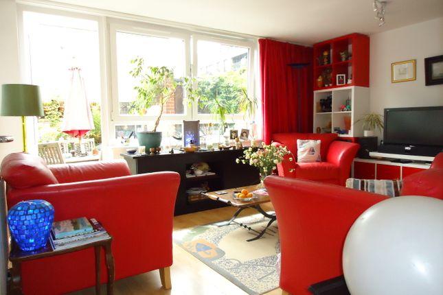 Living Room of Off Westbridge Road, By Battersea (Village) Square SW11