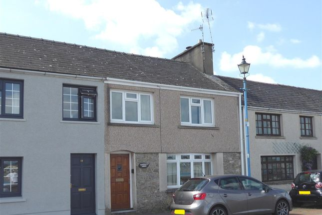 2 bed property to rent in Front Street, Pembroke Dock SA72