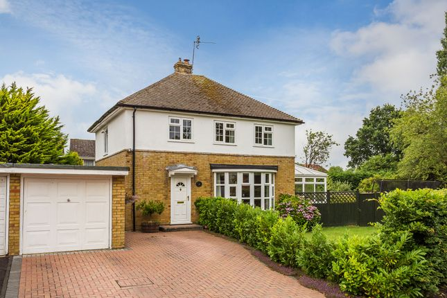 Thumbnail Detached house for sale in Meadow Lane, Edenbridge