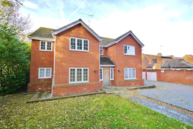 Thumbnail Flat for sale in Chelmsford Road, Shenfield, Brentwood, Essex