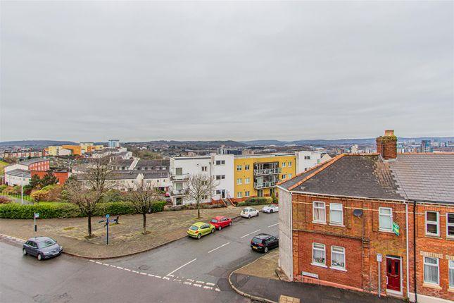 The Royal 5-1 of Queens Road, Penarth CF64