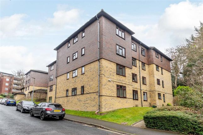 Thumbnail Flat for sale in Green Bank Lodge, Forest Close, Chislehurst