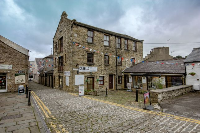 Thumbnail Flat to rent in Victoria Court, Skipton