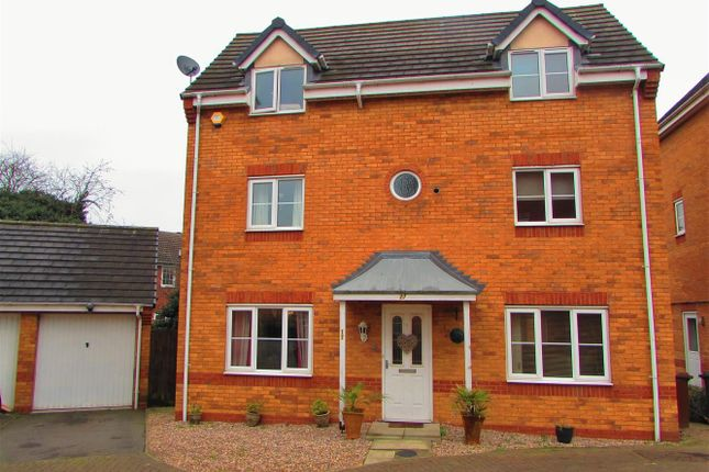 Thumbnail Detached house for sale in Haddon Close, Syston, Leicester