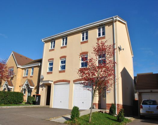 Town house in  Ridgely Drive  Leighton Buzzard  Milton Keynes