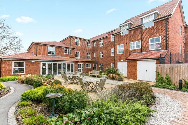 Thumbnail Flat for sale in Peel Lodge, Dean Street, Marlow, Buckinghamshire