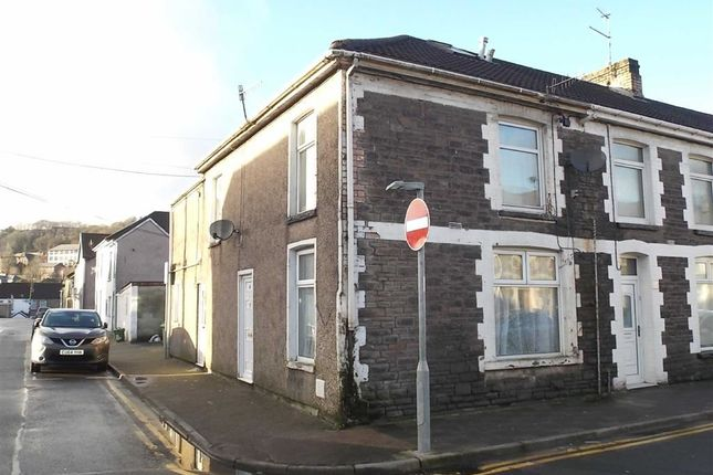 Thumbnail Flat to rent in North Street, Pontypridd