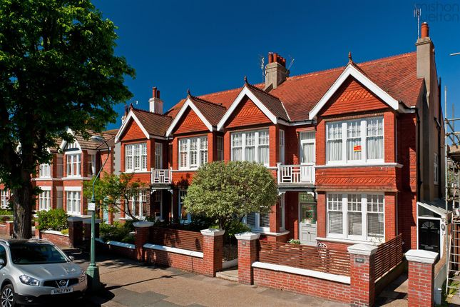 Thumbnail Flat for sale in Walsingham Road, Hove