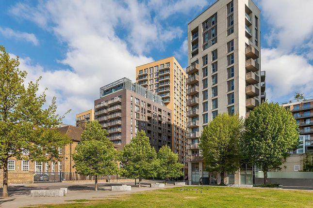 Thumbnail Flat to rent in Roma Corte, Elmira Street, Lewisham, London
