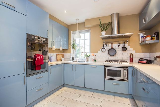 Thumbnail Flat for sale in Grove Park Road, London