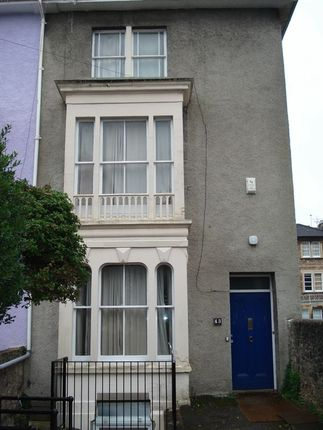 Thumbnail Terraced house to rent in Wellington Park, Clifton, Bristol