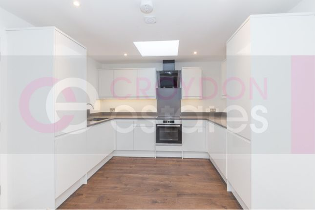 2 bed duplex to rent in Brighton Road, Purley