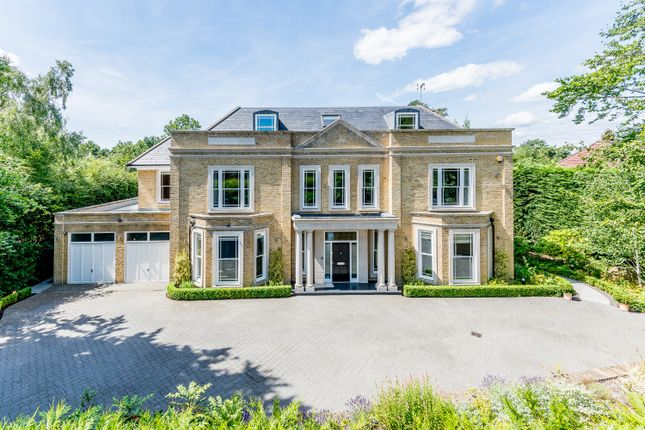 Thumbnail Detached house to rent in Stokesheath Road, Oxshott