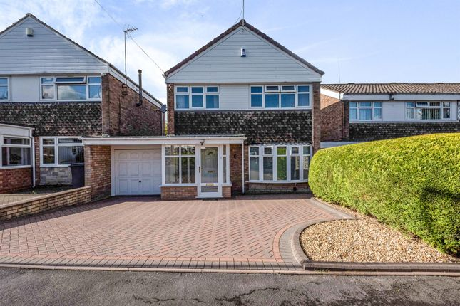 3 bed detached house for sale in Woodbury Close, Halesowen B62