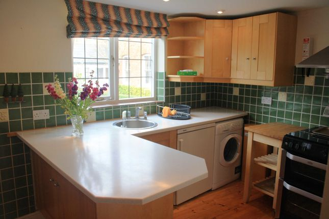 Thumbnail Cottage to rent in Nargate Street, Littlebourne, Canterbury