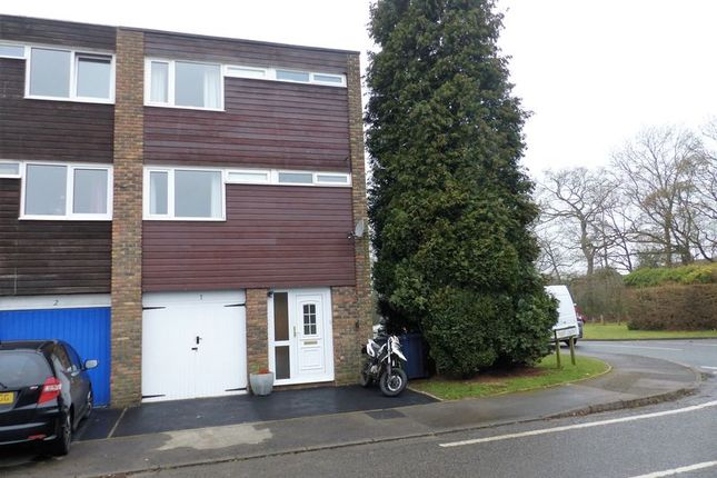 4 bed town house for sale in Taylors Crescent, Cranleigh
