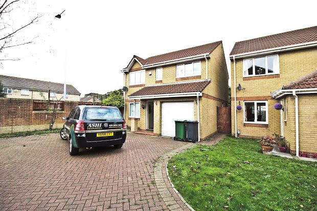 Thumbnail Town house to rent in Mitchell Close, St Mellons, Cardiff