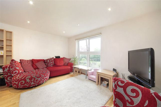 Thumbnail Flat to rent in Kings Avenue, Clapham, London