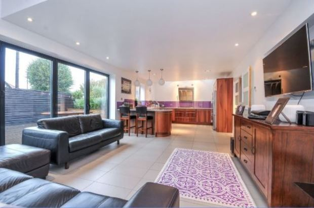 Thumbnail Semi-detached house to rent in Byron Road, South Croydon
