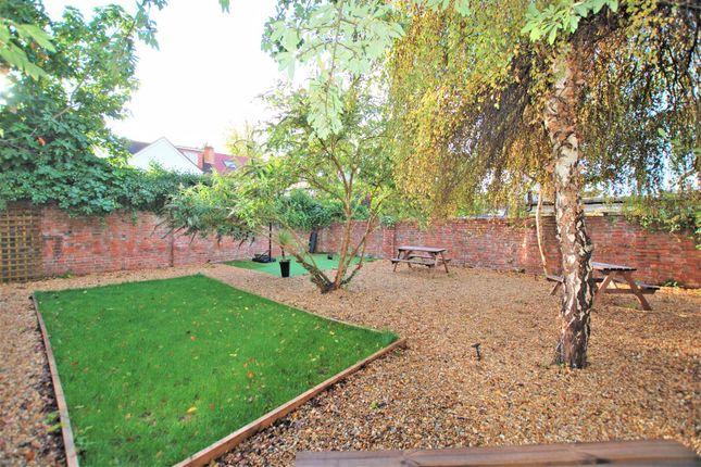 2 bed flat for sale in London Road, Charlton Kings, Cheltenham GL52