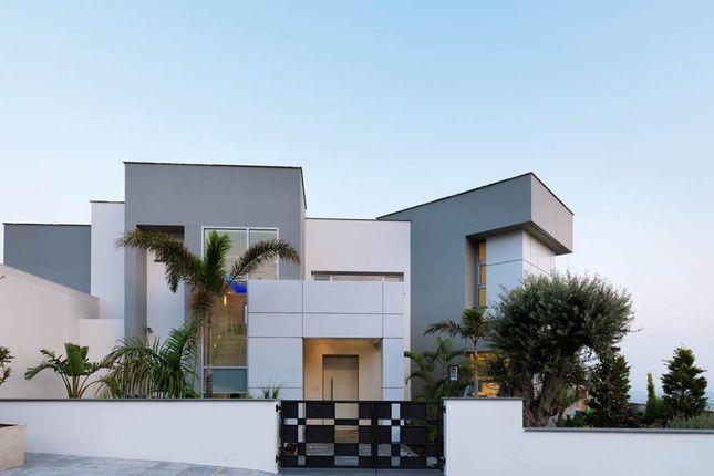 Villa for sale in Mesa Yitonia, Limassol, Cyprus