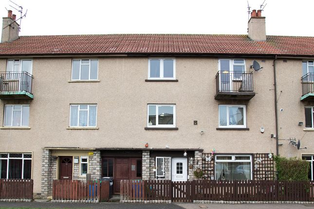 Thumbnail Flat to rent in Winifred Crescent, Kirkcaldy