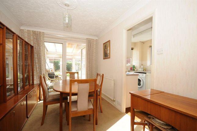 Long beach road longwell green bristol bs30 3 bedroom for Greens dining room zetland road bristol