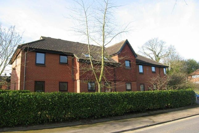 Thumbnail Flat to rent in High Road, Broxbourne