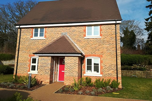 Thumbnail Cottage for sale in The Connaught, Durrants Village, Faygate, Horsham, West Sussex