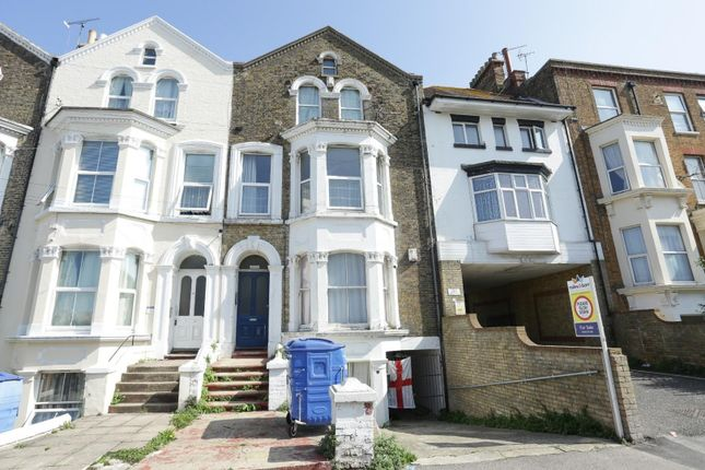 Thumbnail Flat to rent in Harold Road, Margate