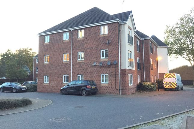 Thumbnail Flat to rent in The Avenue, Darlaston, Wednesbury