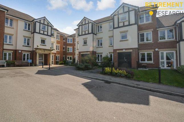 Thumbnail Flat for sale in Castle Court, Tonbridge