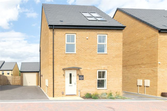 Picture No. 18 of Intrigue, 7 Cadley Hill Close, Ossett WF5